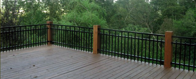 can aluminum fence material be used as a deck or balcony railing